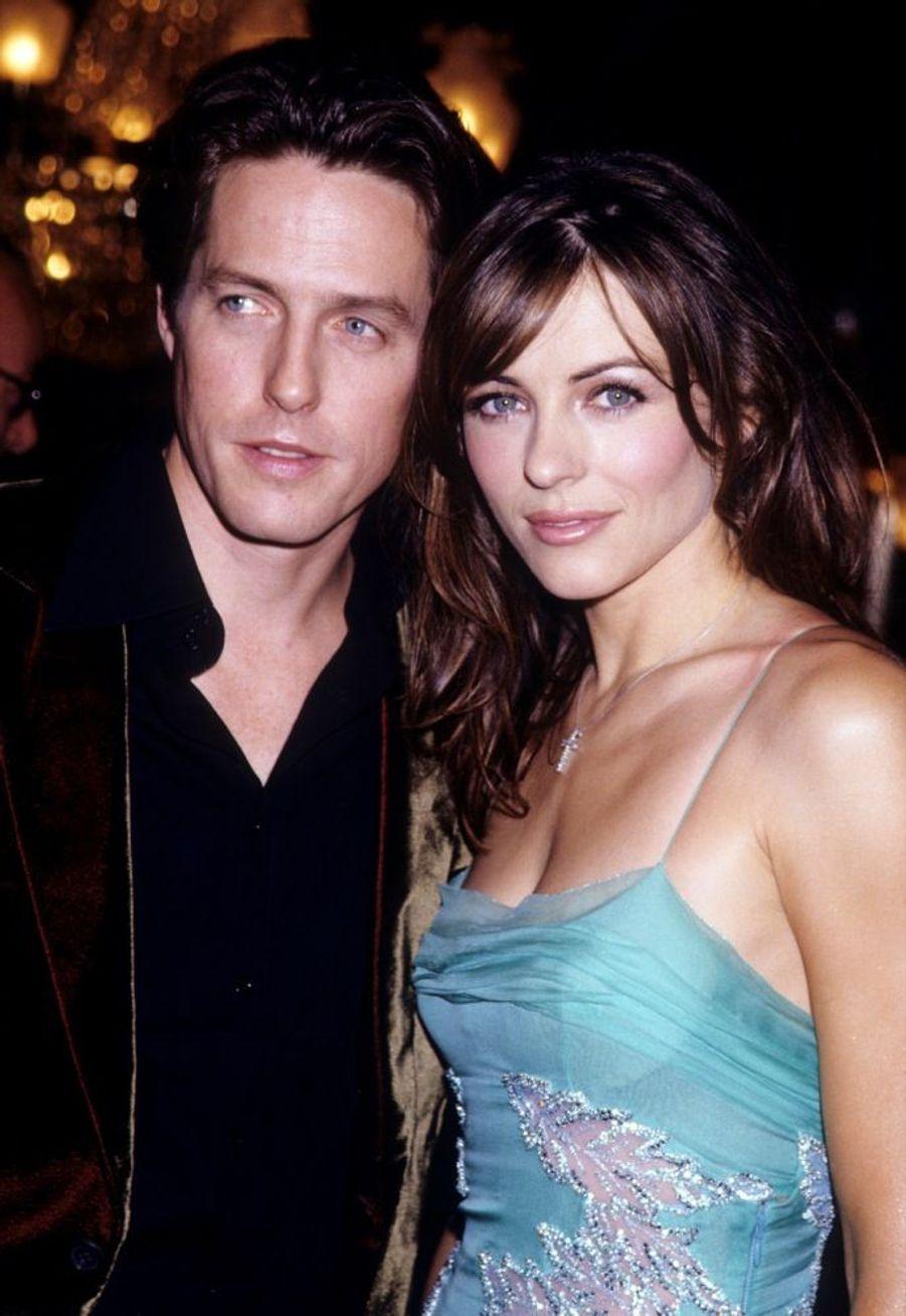 Elizabeth Hurley et Hugh Grant en août 1999.
