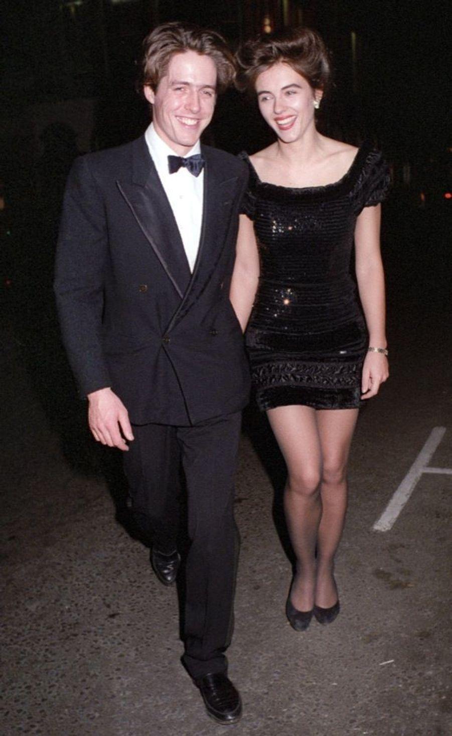 Elizabeth Hurley et Hugh Grant en mai 1993.