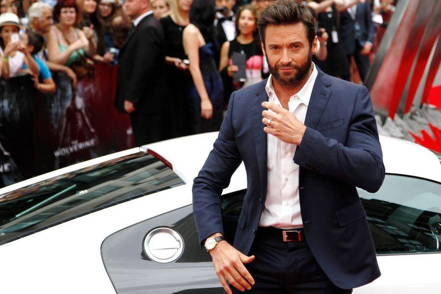 """Hugh Jackman, chic pour la première de """"Wolverine"""""""