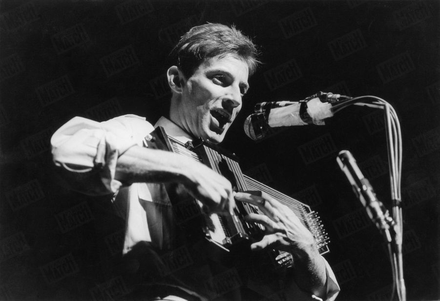 Hugues Aufray à l'Olympia endécembre 1964.