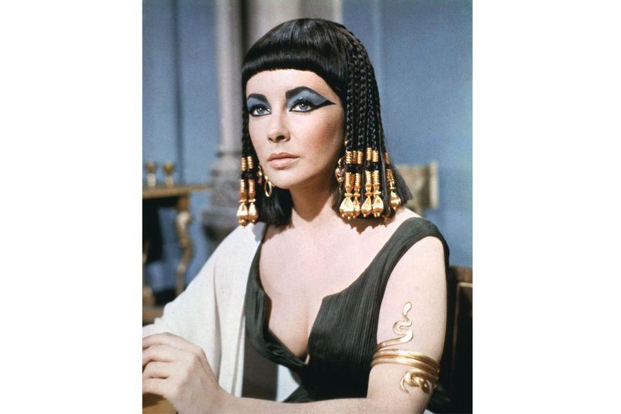 "Elizabeth Taylor dans ""Cléôpatre"" en 1963"