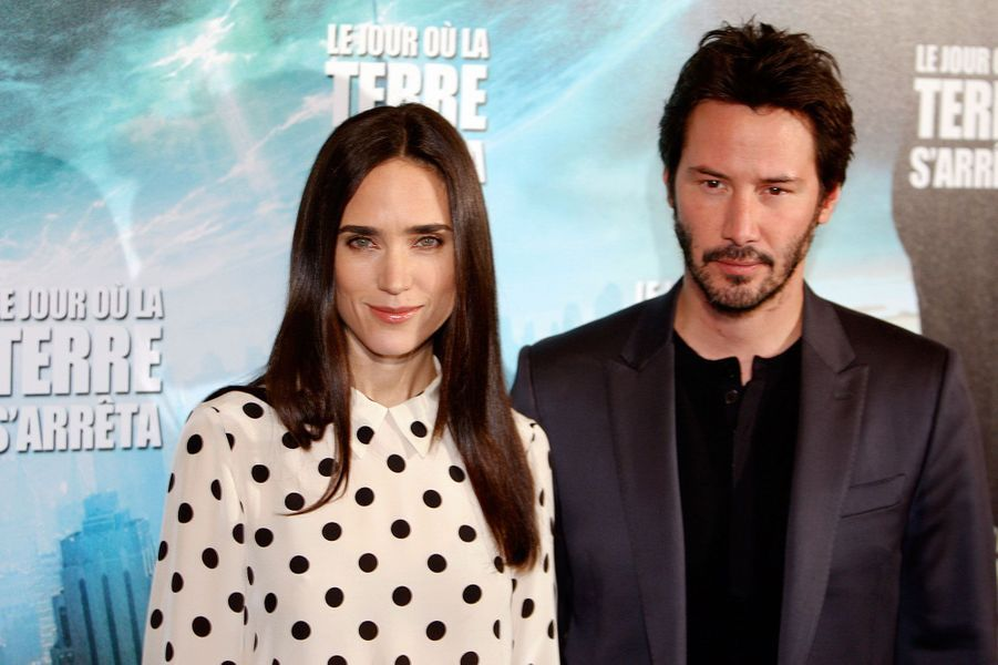 En 2008, Jennifer Connelly accepte le rôle féminin dans «Le Jour où la terre s'arrêtera» de Scott Derrickson. Ici, elle est avec son partenaire dans le long-métrage, Keanu Reeves, lors de l'avant-première parisienne en novembre 2008.