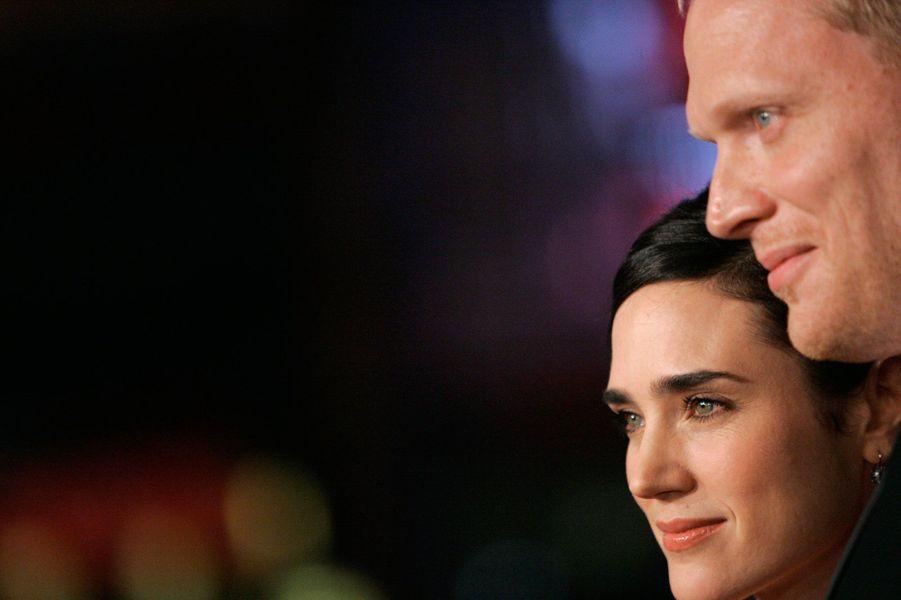 Paul Bettany et l'actrice se sont rencontrés sur le tournage d'«Un homme d'exception» en 2001. Ils se sont mariés en 2006 et vivent depuis une histoire loin des tabloïds.