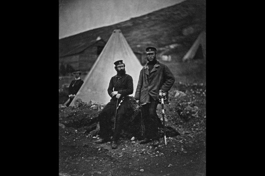 Les capitaines Graham et Macleod, des forces écossaises