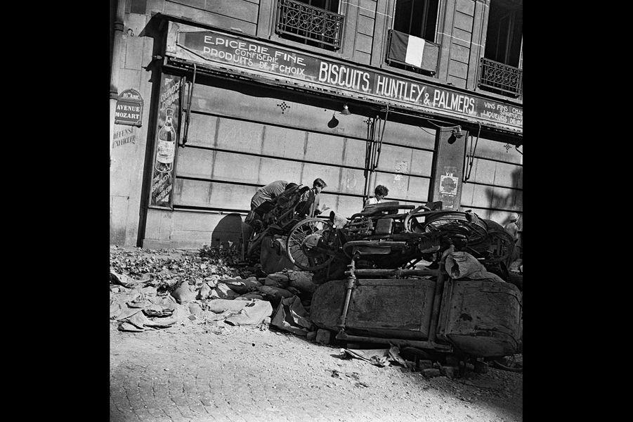 Le 25 août 1944, avenue Mozart dans le XVIè arrondissement de Paris