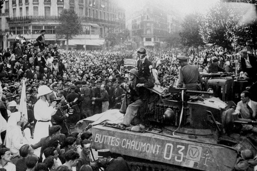 Le 25 août 1944, le tank des Buttes Chaumont est mené par le colonel Billotte