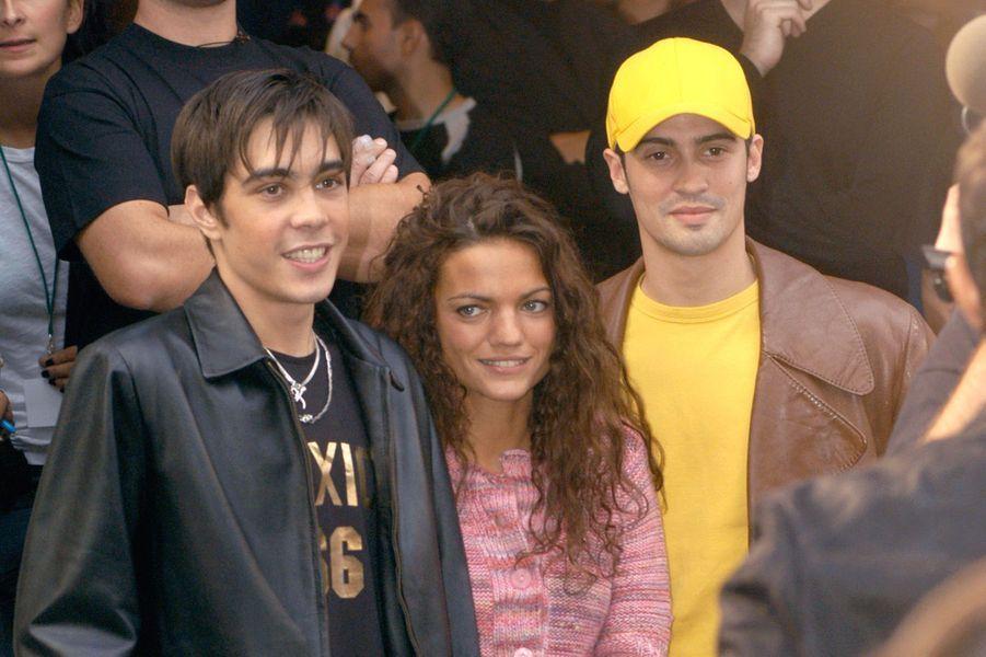 """Grégory Lemarchal, avec Francesca et Enrique, en promotion pour la """"Star Academy"""", en septembre 2004"""