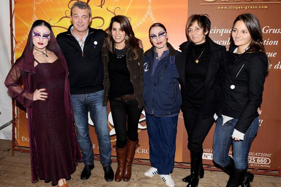 La famille de Grégory Lemarchal et Karine Ferri, lors d'une représentation du cirque Arlette Gruss au profit de l'association Grégory Lemarchal