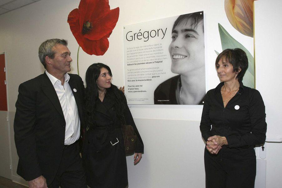 Pierre et Laurence Leroy, avec Nolwenn Leroy, inaugurent le nouveau service cardio-pulmonaire de l'hopital Foch de Suresnes, en novembre 2008