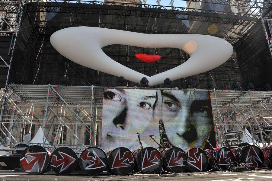 Une affiche commune pour les associations Laurette Fugain et Grégory Lemarchal, à Paris en septembre 2010