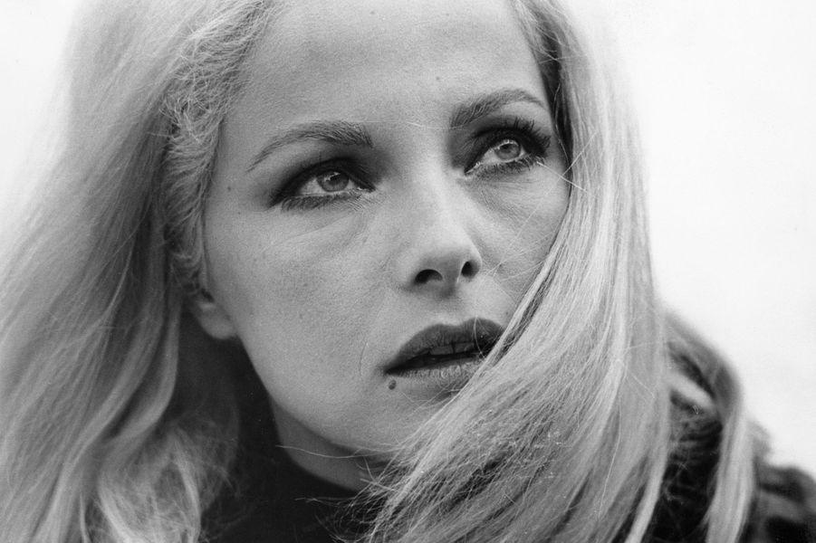 A voir: Le décès de la blonde latine