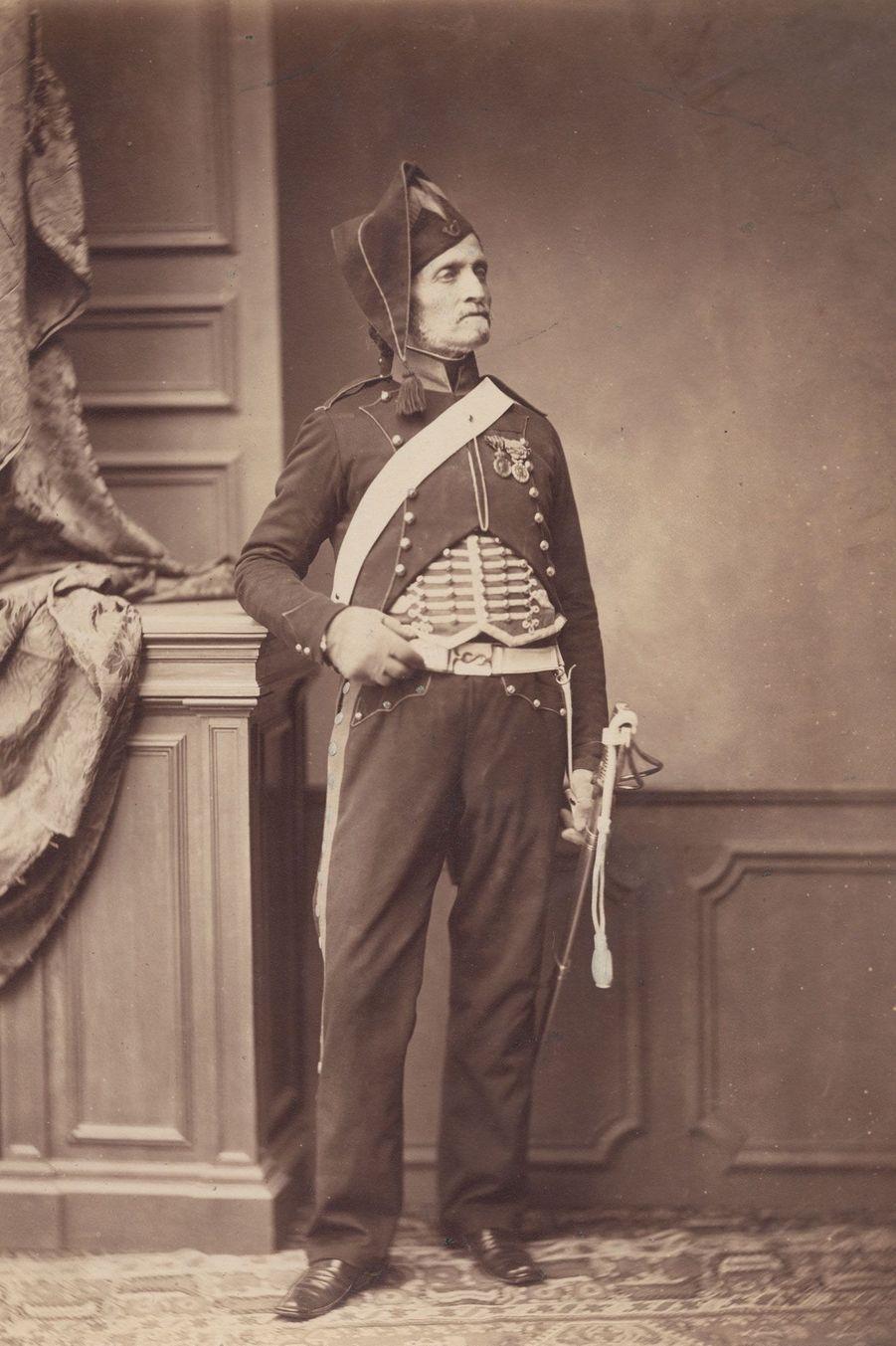 Le chasseur alpin. Monsieur Schmidt appartenait aux régiments de montagne, qui gagnèrent la bataille du mont Saint-Bernard, en 1794 dans les Alpes.