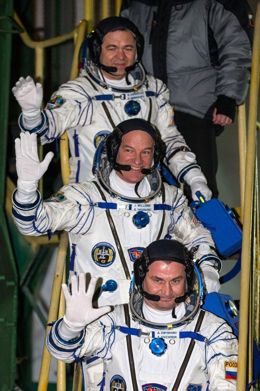 Jeff Williams, Oleg Skripotchka et Alexeï Ovtchinine