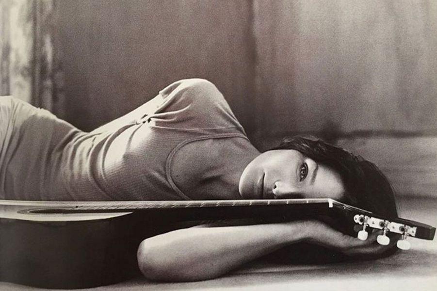 """Pochette du premier album de Carla Bruni, """"Quelqu'un m'a dit"""" sorti en 2002"""