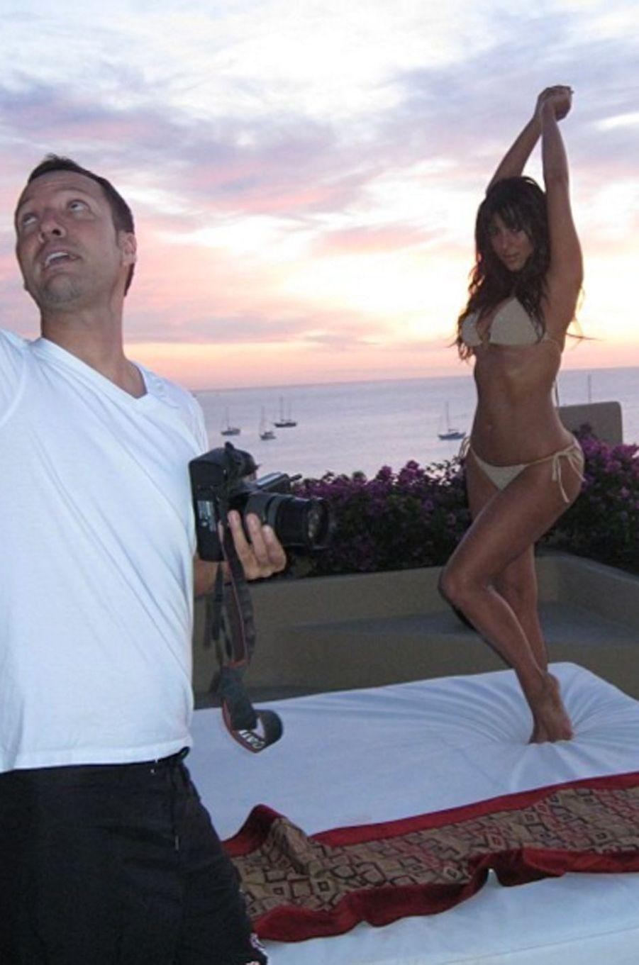 Kim Kardashian s'exhibe sous toutes les coutures