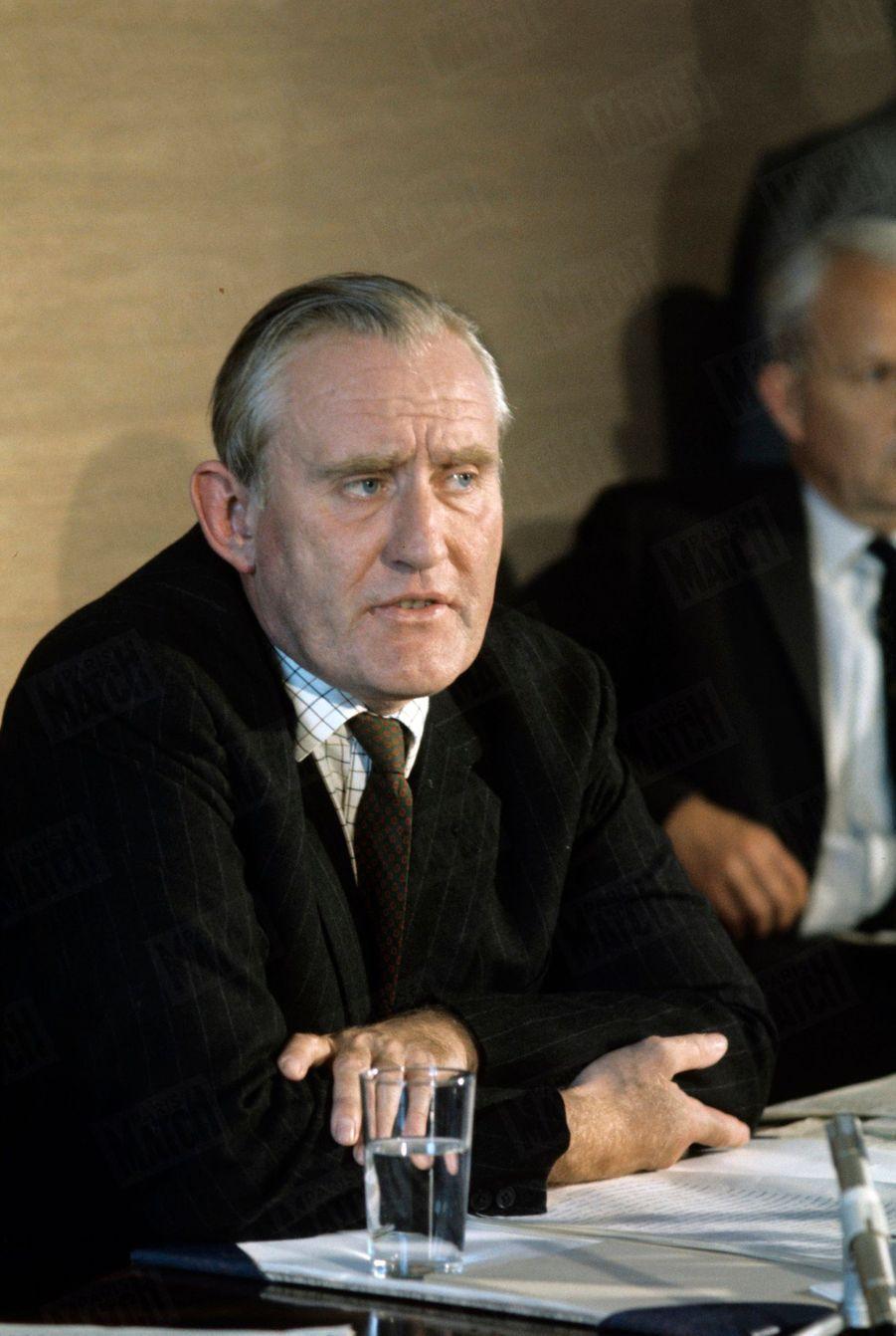 «Chichester Clark, chef du gouvernement de l'Ulster. Pour lui, les responsables sont les catholiques, les nationalistes de l'I.R.A. et des groupes d'anarchistes.» - Paris Match n°1060, 30 août 1969