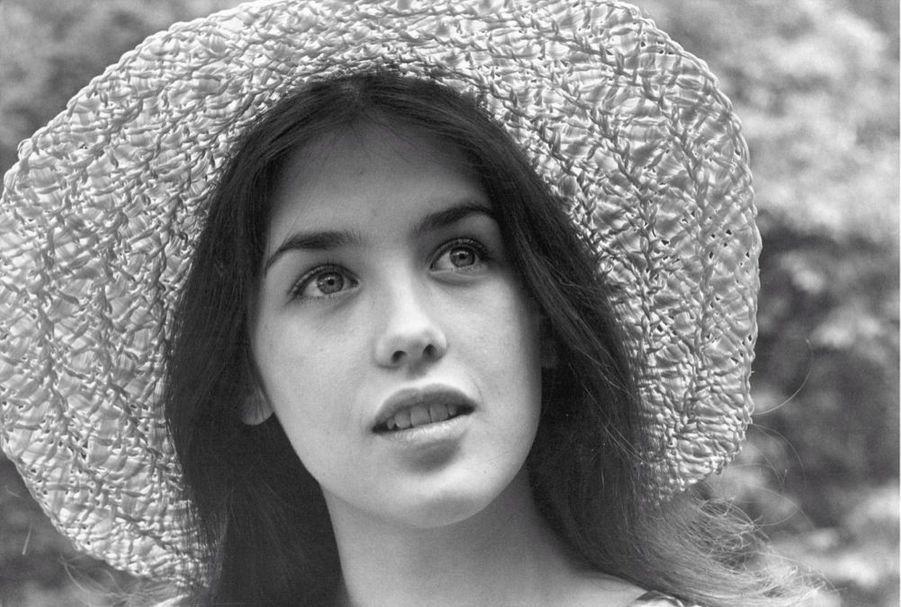 Isabelle Adjani en 1973, lors de son premier rendez-vous photosavec Paris Match.