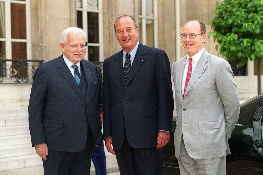 Jacques Chirac avec Rainier et Albert de Monaco à l'Elysée en mai 1999.