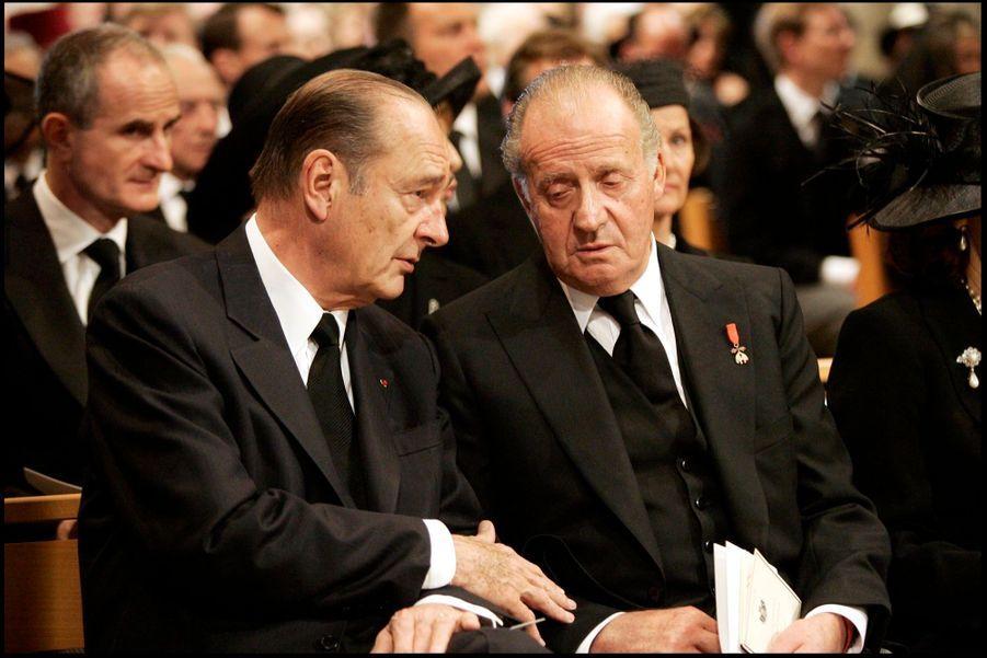 Jacques Chirac avec le roi Juan Carlos d'Espagne aux obsèques de Rainier de Monaco, en avril 2005.