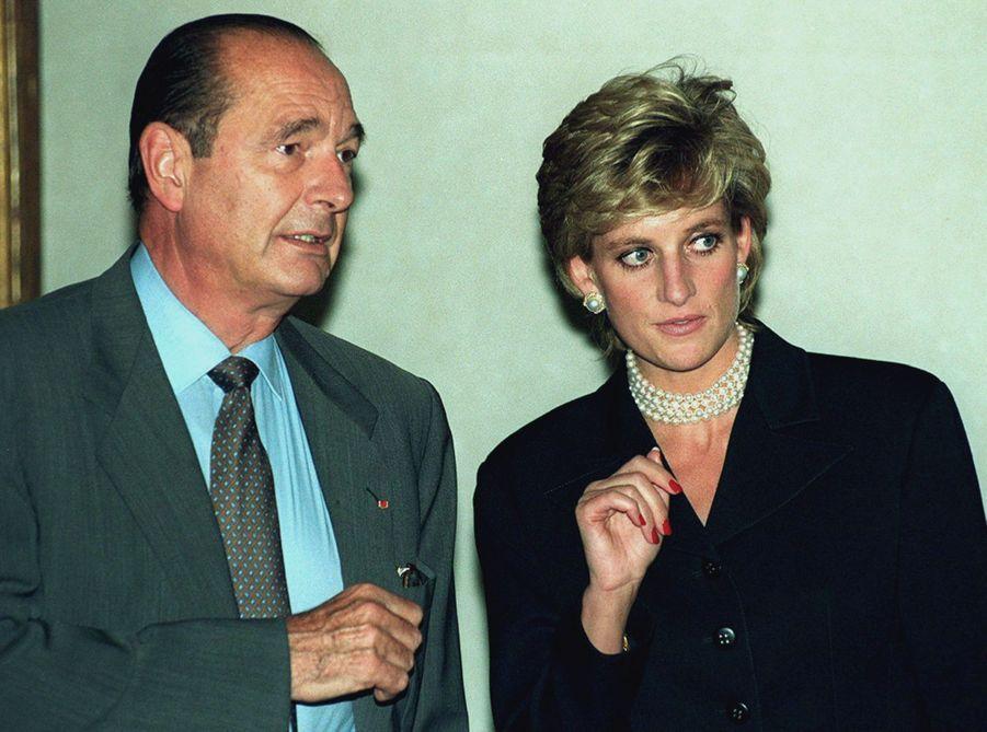Jacques Chirac avec la Princesse Diana à l'inaugurationde l'exposition Cézanne au Grand Palais le 25 septembre 1995.
