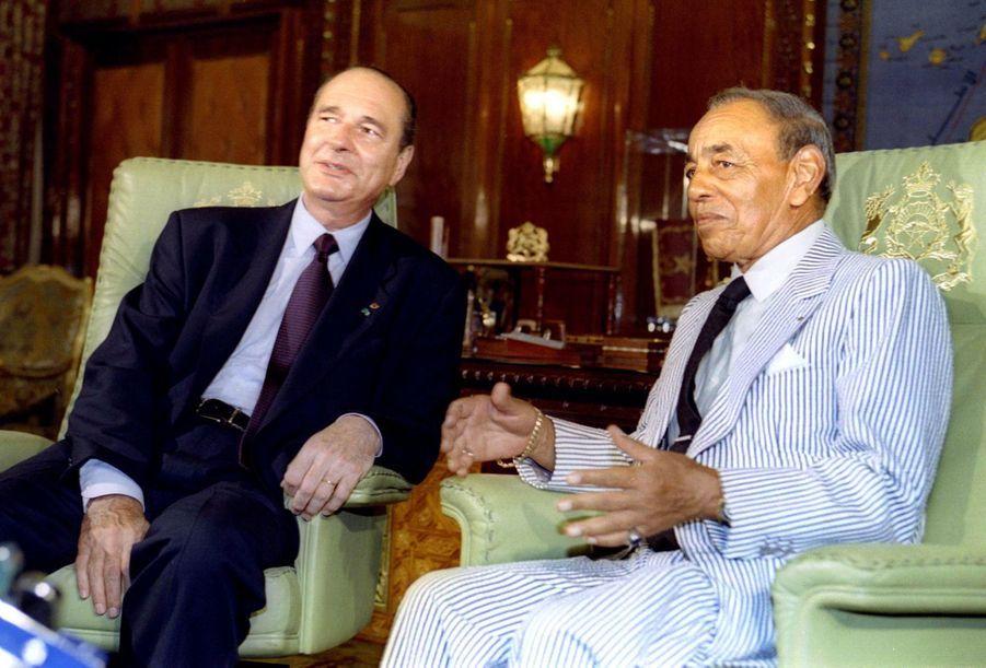 Jacques Chirac et le roi Hassan II du Maroc au Palais Royal de Rabat, en juillet 1995.