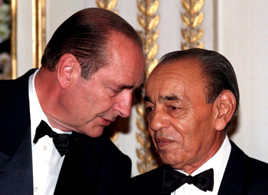 Jacques Chirac et le roi Hassan II du Maroc à l'Elysée Palace, en mai 1996.