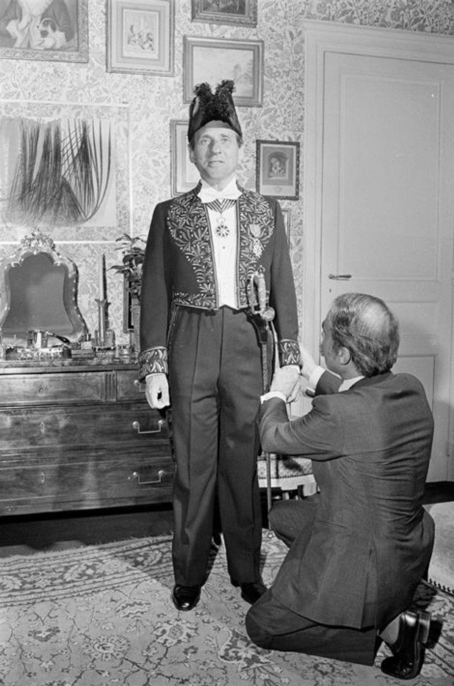 En France, à Paris, le 6 juin 1974, à l'occasion de son entrée à l'Académie Française.
