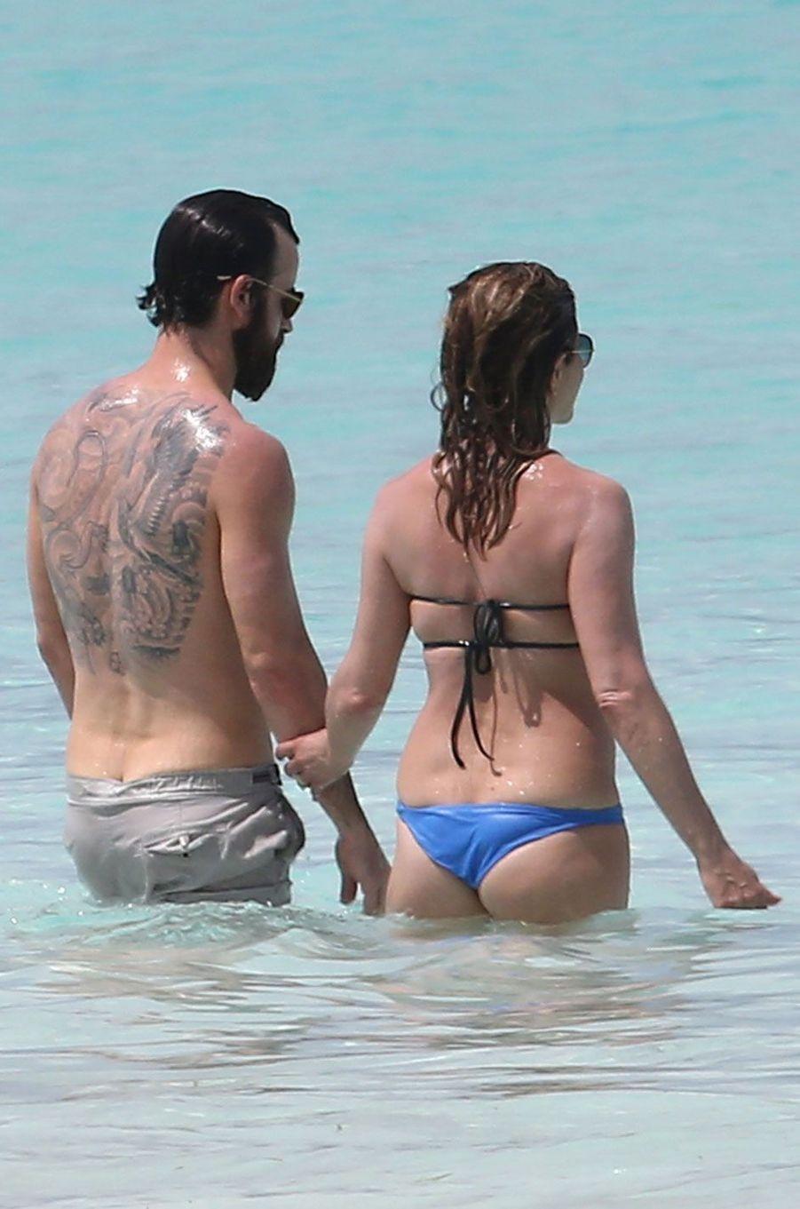 Jennifer Aniston et Justin Theroux, main dans la main aux Bahamas