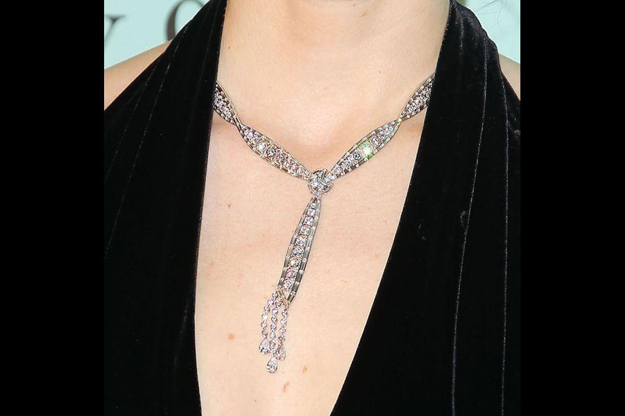 Le collier de Jessica Biel