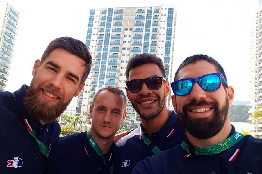 Luka Karabatic, Valentin Porte, Adrien DiPanda et Nikola Karabatic (handball) au village olympique