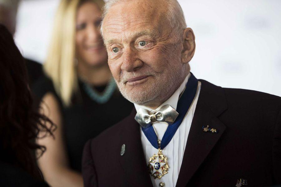 Buzz Aldrin au gala de charité Starkey Hearing