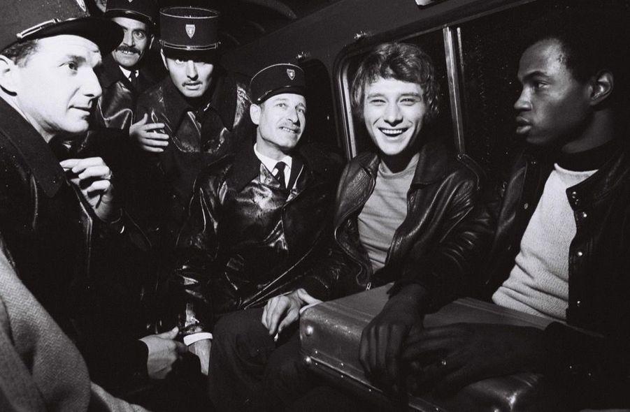 Johnny Hallyday, sortie de concert, 1970