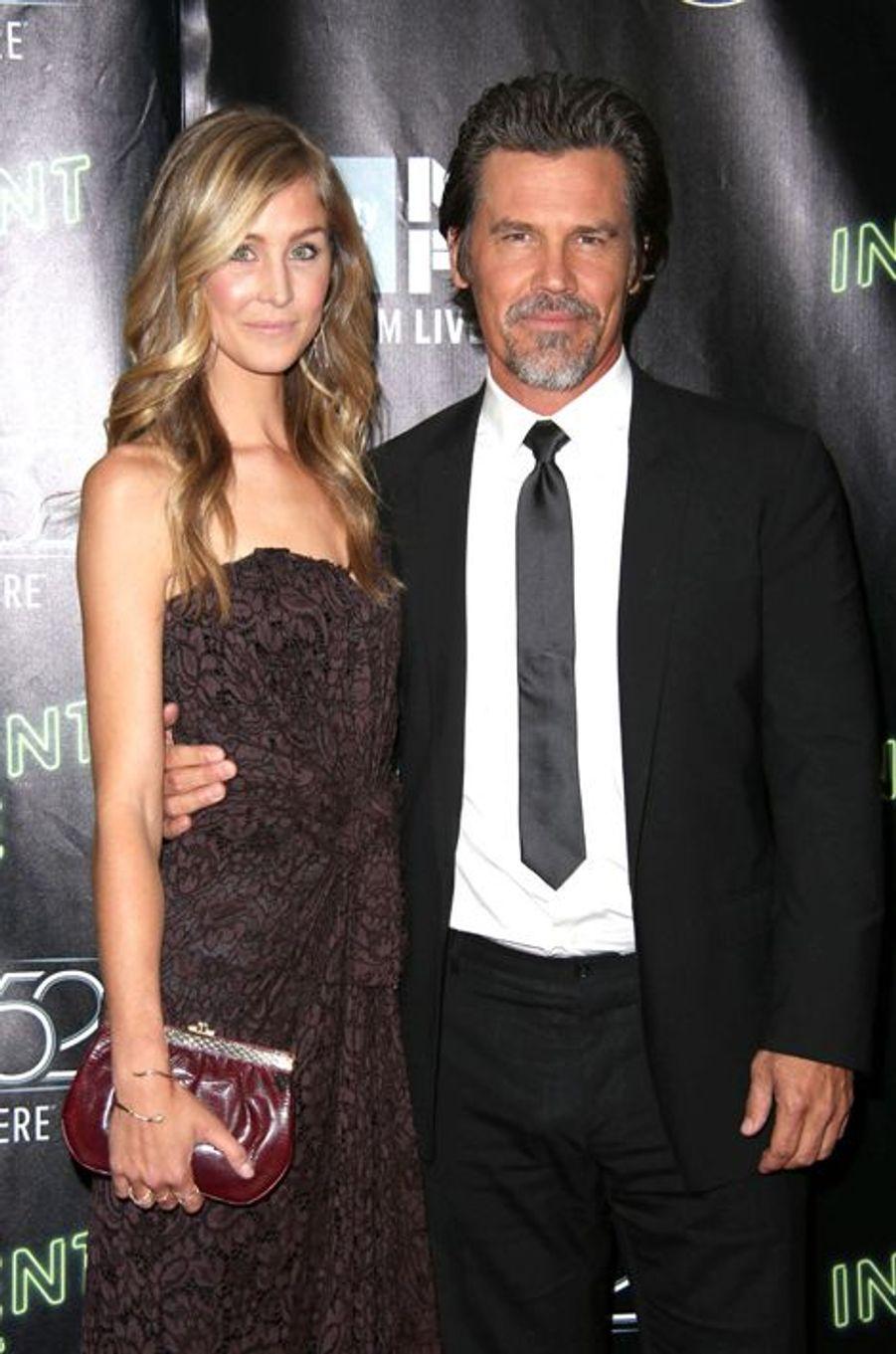 """Josh Brolin et sa compagne Kathryn Boyd à la projection de """"Inherent Vice"""" à New York"""