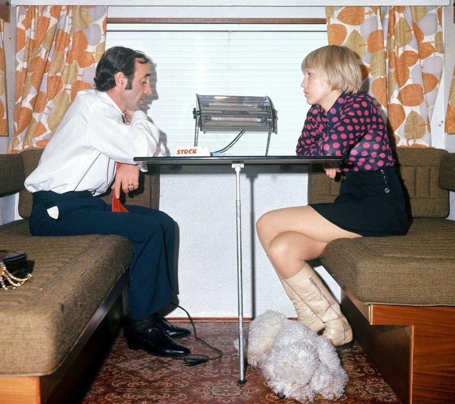 Charles Aznavour et femme Ulla à Cannes, en 1973.