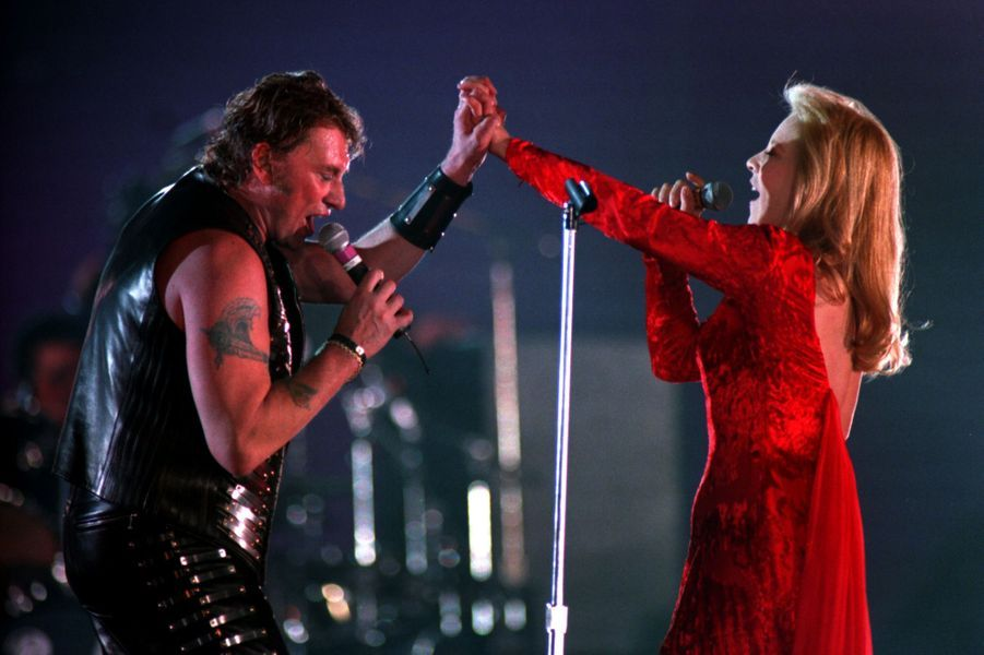 Retrouvailles sur scène pour Johnny Hallyday et Sylvie Vartan, en 1993