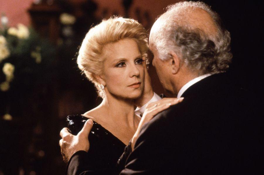 """Sylvie Vartan dans """"L'Ange Noir"""", en 1994, avec Michel Piccoli"""