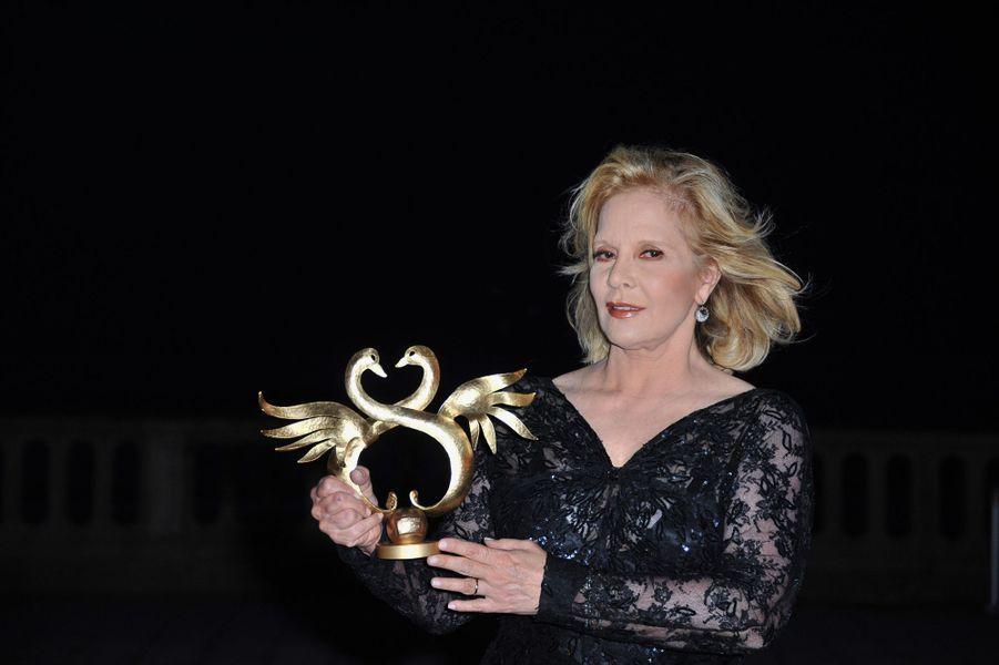 Sylvie Vartan récompensée au festival de Cabourg, en juin 2011