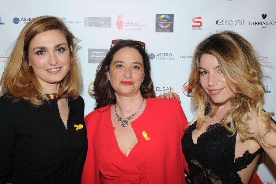 Lola Marois , Esther Meyniel , Julie Gayet, le 6 avril 2016