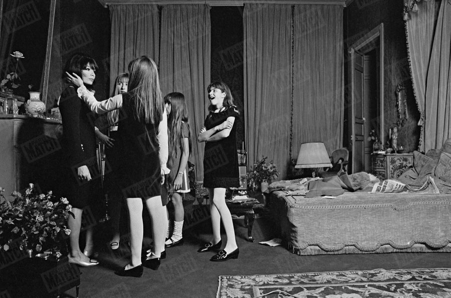 Au mariage de Juliette Gréco et Michel Piccoli, en décembre 1966.