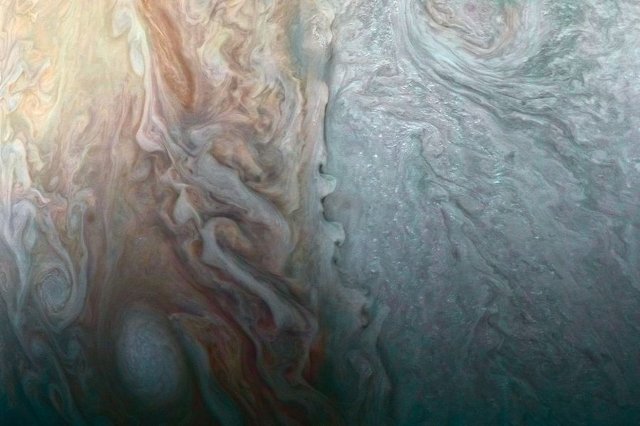 Les énigmatiques nuages de Jupiter.