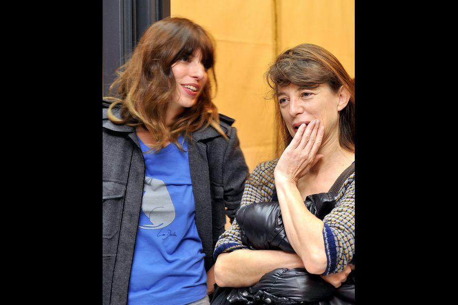 En novembre 2010 avec Lou Doillon, qu'elle a photographiée pour La Redoute