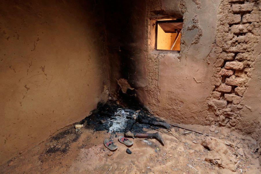 Depuis le 11 janvier dernier, l'armée française est au Mali pour tenter de rétablir l'ordre et la démocratie, et venir à bout d'Aqmi, terroristes liés à Al Qaida. Lire l'article Photo prise à Konna, le 27 janvier.