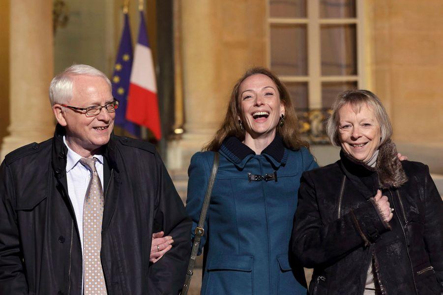 Lire l'articlePhoto prise dans la cour de l'Elysée, en compagnie de ses parents.