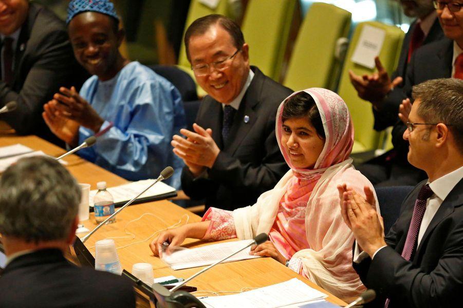 Vous avez élu Malala Yousafzai, femme de l'année 2013Lire l'articlePhoto prise le 12 juillet après son allocution au siège des Nations unies, à New York.