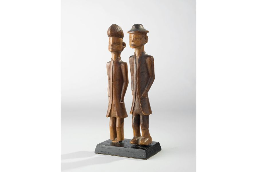 Wena ou Luvalé, Zambie/Angola, XXe siècle, bois, 21 x 12 cm