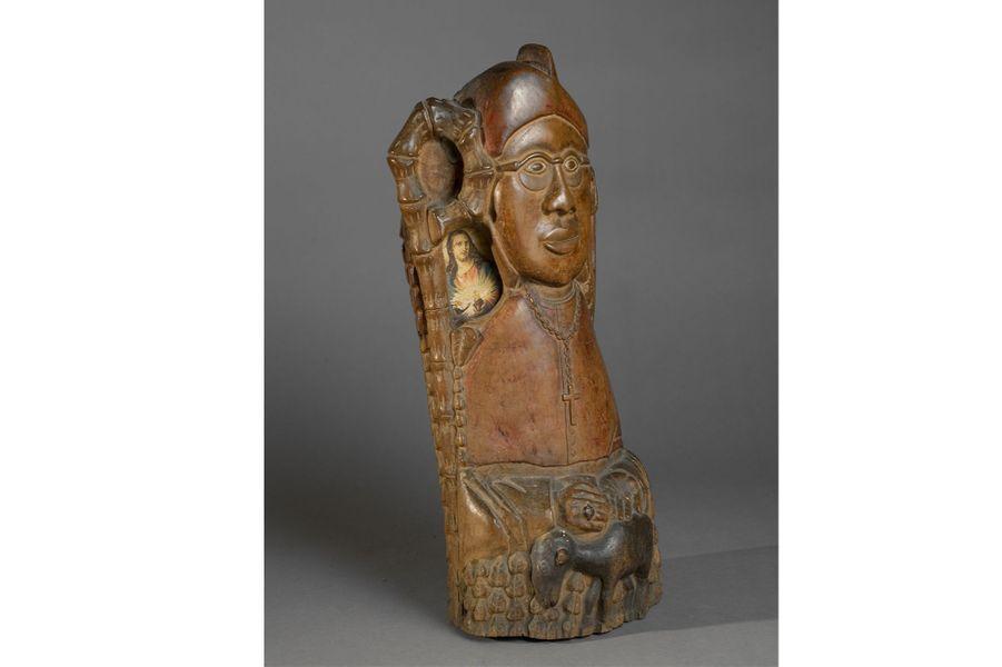 Nigéria, XXe siècle, bois, papier, haut. 44 cm