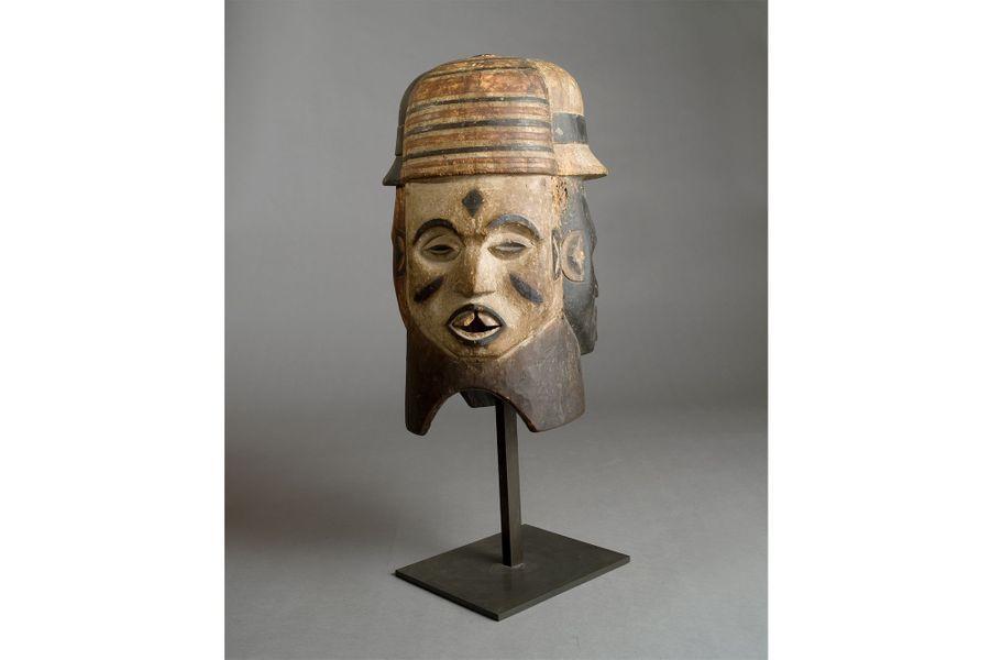 Igbo, Nigéria,XXe siècle, bois, pigments, haut. 43 cm
