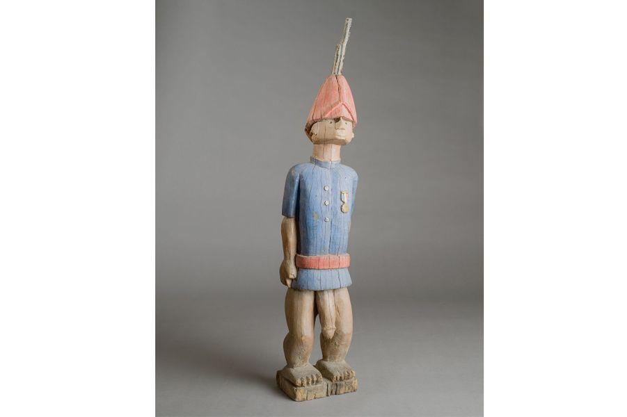 Afrique de l'Ouest, première partie du XXe siècle, bois, pigment, métal, haut. 98 cm