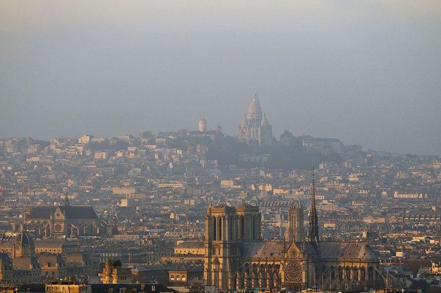 L'Ile-de-France connaît un nouveau pic de pollution.