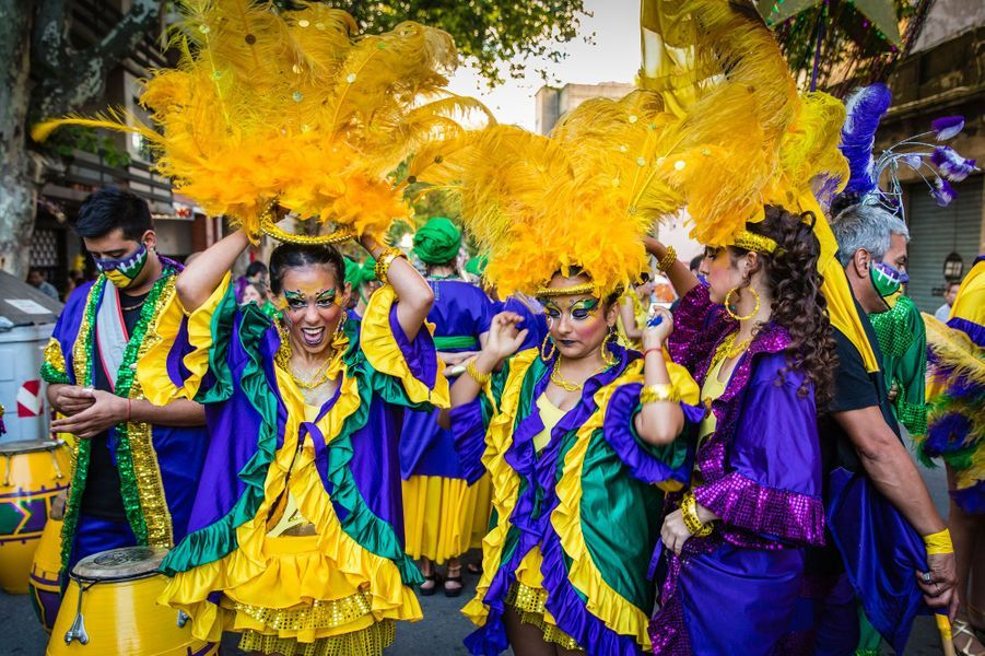 Petite parade durant le carnaval